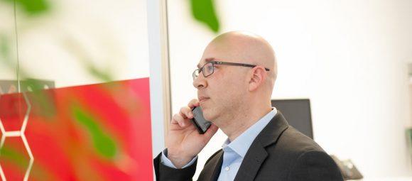 La concorrenza dei gestori telefonici Luca Marchese